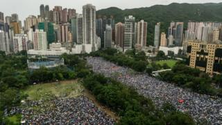 Hong Kong protests: Tens of thousands gather for major rally