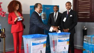 President Paul Biya dey vote during di 2020 Cameroon twin elections