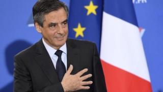 勝利確定後のフィヨン元首相。フィヨン氏はフランスが「真実と行動」を求めていると主張(27日)