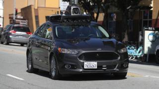 Tempe'de test edilen sürücüsüz Uber araçları Mart 2017'de de bir kazaya karışmıştı