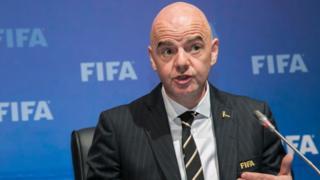 Umukuru wa FIFA, Gianni Infantino, mu kiganiro n'abanyamakuru i Kigali ku wa gatanu