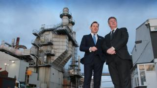 Superglass chief executive Ken Munro with Economy Secretary Keith Brown