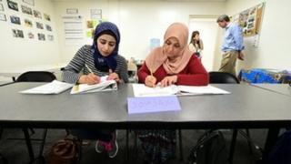 شامی پناہ گزین، زبان