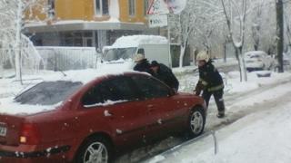Спасатели просят водителей быть осторожными на дорогах