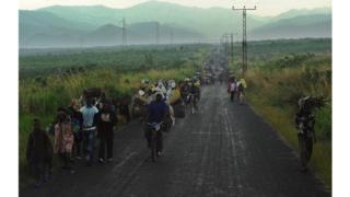 Des personnes fuyant la violence en RDC