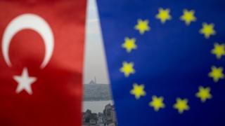 Türkiye ve Avrupa Birliği bayrakları
