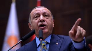 """كتاب وصفوا خطاب إردوغان بأنه """"ورقة ابتزاز"""""""