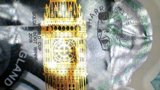 Engraving of Harry Kane next to Big Ben