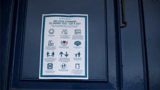 A notice informing pub goers of Covid-19 restrictions