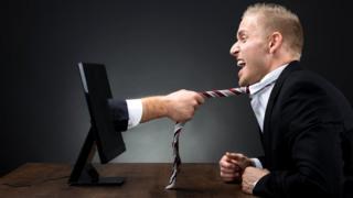 Опасности подстерегают нового босса повсюду