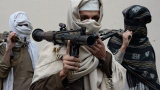 دیدبان حقوق بشر میگوید شمار اندکی از فرماندهان طالبان به دختران اجازه رفتن به مکتب میدهند