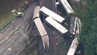 事故現場を空から撮影した写真