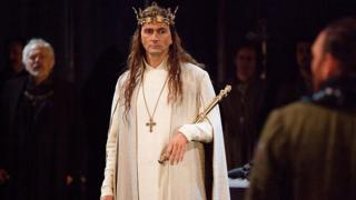 David Tennant (centre) in Richard II