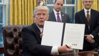 Трамп підписав указ про вихід США із транстихоокеанського партнерства