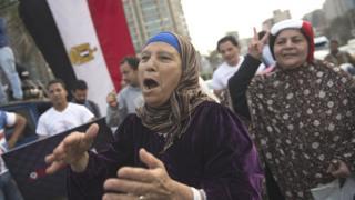 يتطلع غالبية المصريين إلى تحسن الوضع الاقتصادي في ظل ظروف صعبة تمر بها البلاد
