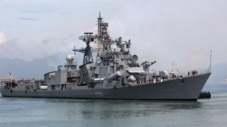 Tàu hải quân Ấn Độ D55 Ranvijay cập cảng Tiên Sa năm 2013