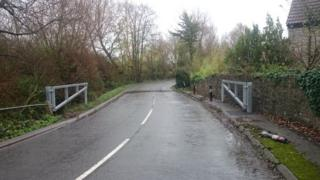 Flood gates on Muchelney Road at Huish Episcopi