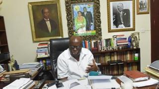 Le président Nana Akufo Addo a annoncé mercredi avoir nommé à nouveau 50 ministres délégués et quatre ministres d'Etat.
