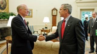 د امریکا پخوانی سفیر وايي د ولسمشر بوش اداره په دې فکر وه چې گواکې يوۀ پوځ ته اړتيا نه شته