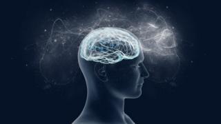 Ilustração mostra homem e cérebro em destaque, com redes e pontos iluminados