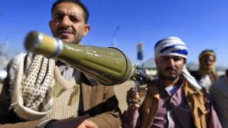 شورشیان حوثی از سال ۲۰۱۴ کنترل پایتخت یمن را به دست گرفتهاند