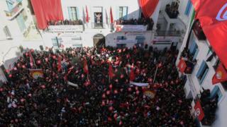 إضراب عام في وسط العاصمة تونس بدعوة من الاتحاد العام للشغل