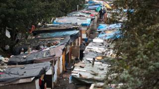 Barrio pobre en las afueras de París