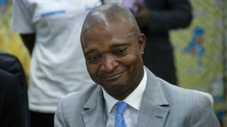 Emmanuel Ramazani Shadary, wahoze ari minisitiri w'ubutegetsi bw'igihugu, yagenwe mu ntangiriro y'ukwezi kwa munani nk'umukandida-perezida w'urugaga rw'amashyaka ari ku butegetsi muri Kongo