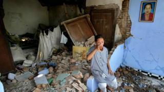 Gempa besar diperkirakan lebih dari 8 SR bisa melanda Jakarta.