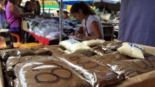 Café vendido em pequenas porções