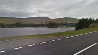 The A470 running past Beacons Reservoir