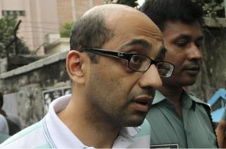British national Hasnat Karim leaves after his court appearance in the Bangladesh capital Dhaka, 13 August 2016.