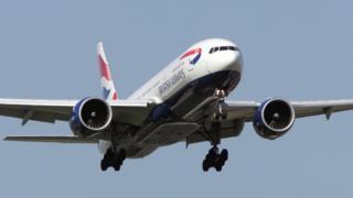 A Boeing 777-200 British Airways plane