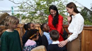 Герцогиня Кейт показала свой садик школьникам