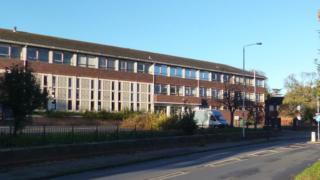 Former Elvian school
