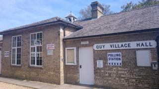 Quy village hall