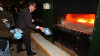 Russian Ambassador Dmitry Feoktistov at incineration of cocaine, 21 Aug 18