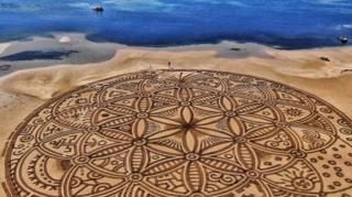 пісок і пляж, творчість