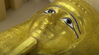 عودة التابوت الذهبي إلى مصر