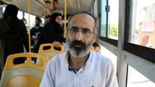 Nidal Hüseyin, Bab el Hava'da otobüste.