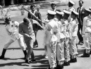 राजीव गांधी