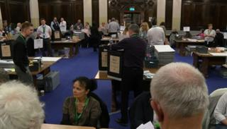 Hull council vote