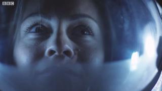 Перший в історії вихід астронавток у відкритий кос