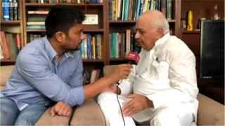 आरिफ़ मोहम्मद ख़ान के साथ बीबीसी संवाददाता रजनीश कुमार