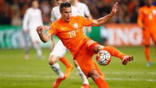 Van Persie n'avait plus porté le maillot orange depuis le 13 octobre 2015.