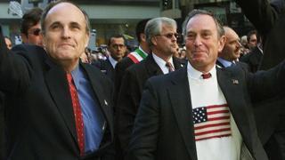 Bloomberg con su predecesor en la alcaldía de Nueva York, Giuliani.