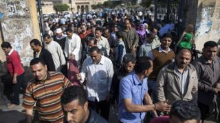 عمال الغزل والنسيج في المحلة الكبرى بدلتا مصر