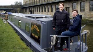 Rachel and Cis on narrowboat
