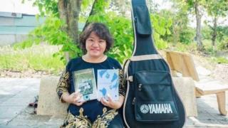 Nhà báo, nhà hoạt động xã hội Phạm Đoan Trang cũng là người phát ngôn của NXB Tự do cùng các ấn phẩm do NXB Tự Do phát hành.
