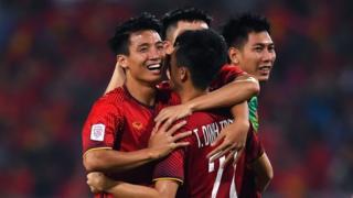 Việt Nam vượt qua Philippines ở bán kết AFF Cup